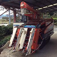 クボタ コンバイン SR50 画像