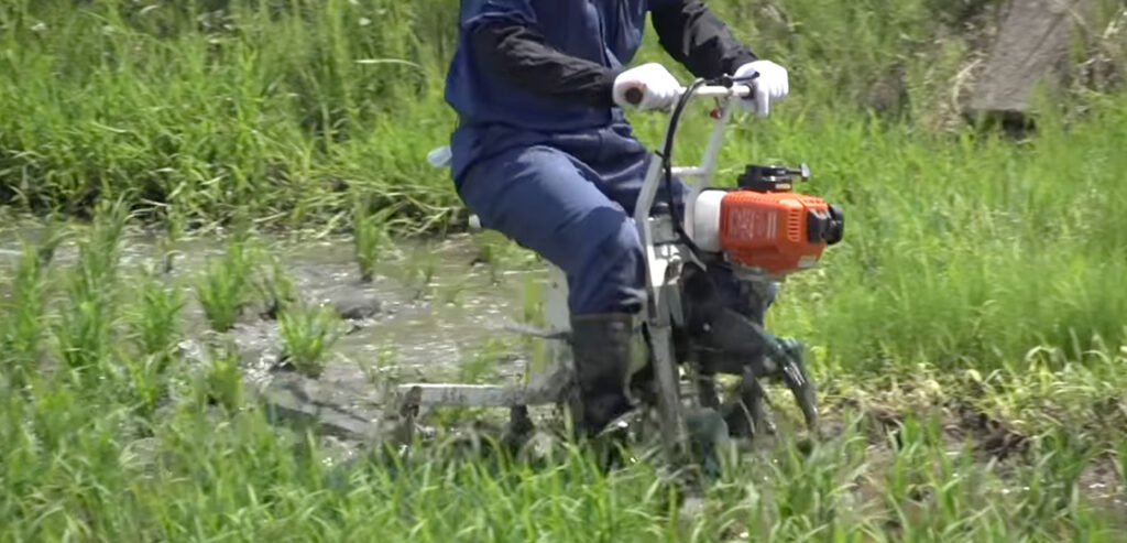 YouTube:【共立】乗用溝切機のワンポイントレッスン! MKS4301FR/MKS4003R@KIORITZ 画像